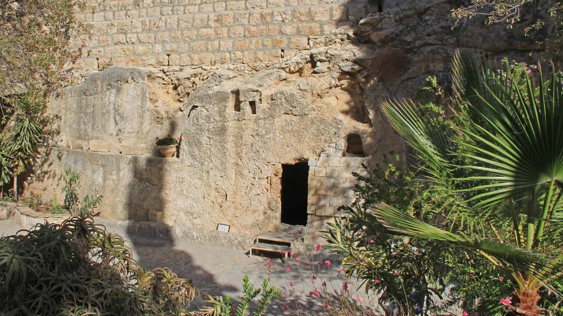 What Happened at Easter? (2 Timothy 1:8-14)